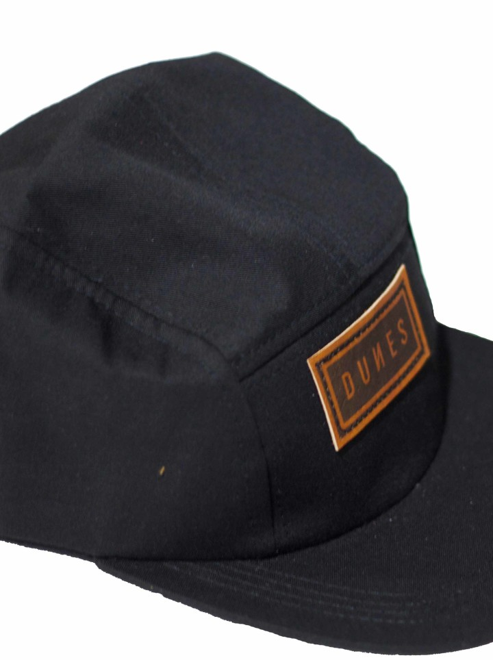 Dunes stying five panel trucker cap